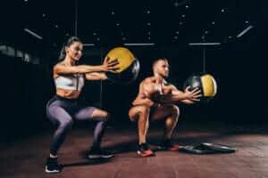 Программа тренировки ног для мужчин и женщин в тренажерном зале